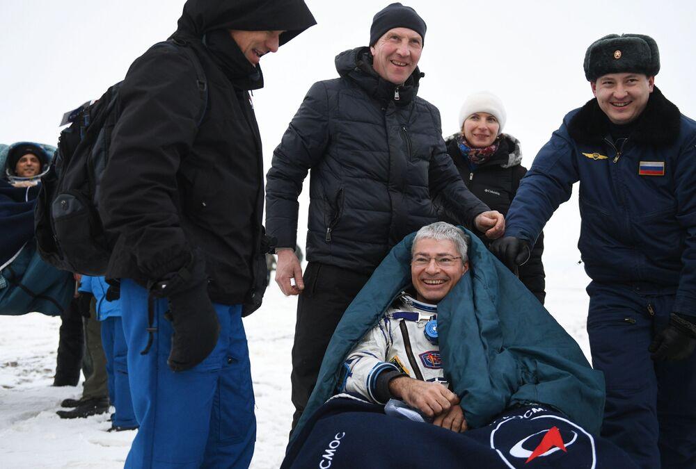 Na Ziemię wrócili rosyjski kosmonauta Aleksander Misurkin i amerykańscy astronauci Mark T. Vande Hei i Joe Acaba. Spędzili na stacji 168 dni