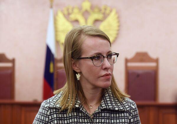 Ksenia Sobczak w Sądzie Najwyższym po rozpatrzeniu jej skargi na odmowę uznania za niezgodną z prawem rejestracji Putina jako kandydata na prezydenta - Sputnik Polska