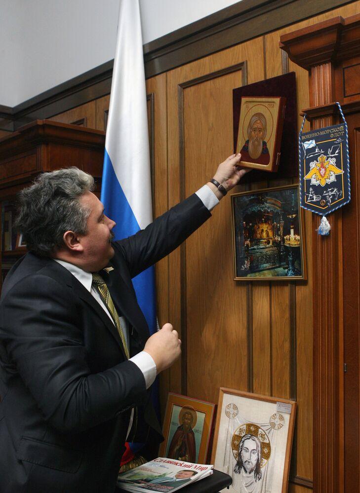 Wicemarszałek Dumy Państwowej Siergiej Baburin w swoim gabinecie
