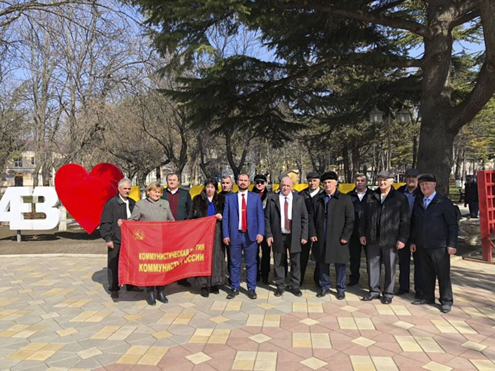 Kandydat na prezydenta Rosji Maksim Surajkin podczas wizyty w Cchinwali w Osetii Południowej