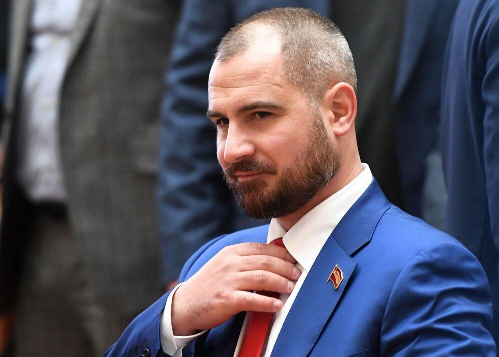 Kandydat na prezydenta Rosji od partii komunistycznej Komuniści Rosji Maksim Surajkin