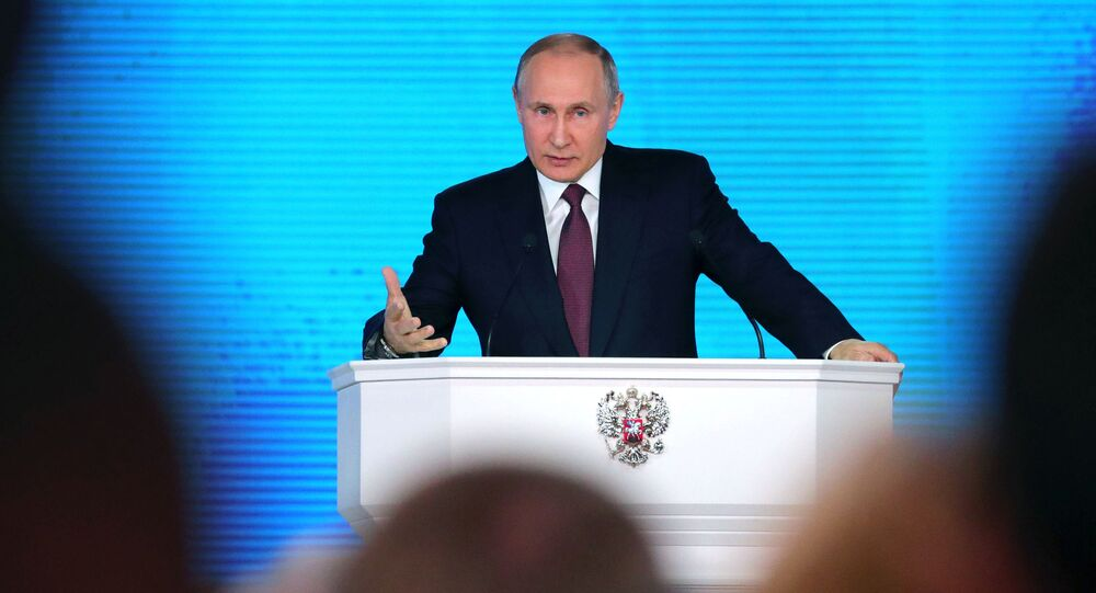 Prezydent FR Władimir Putin występuje na forum Zgromadzenia Federalnego