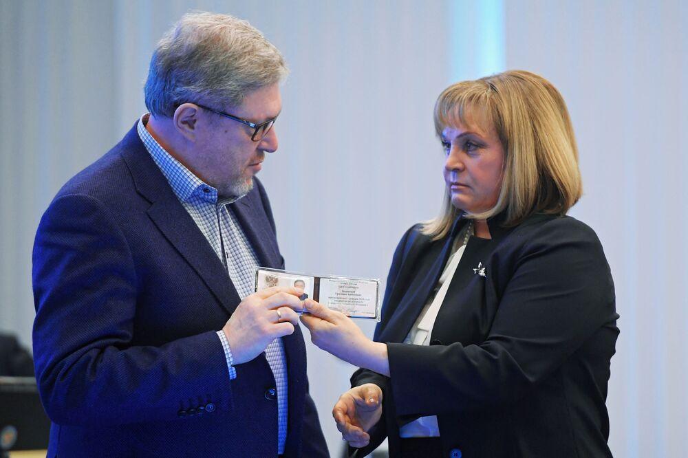 Grigorij Jawliński w Centralnej Komisji Wyborczej Federacji Rosyjskiej w Moskwie