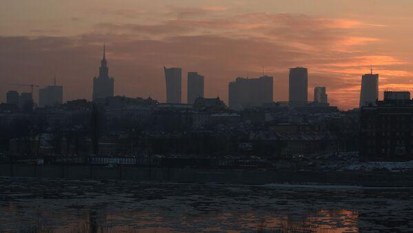 Smog nad Warszawą. Zdjęcie archiwalne - Sputnik Polska