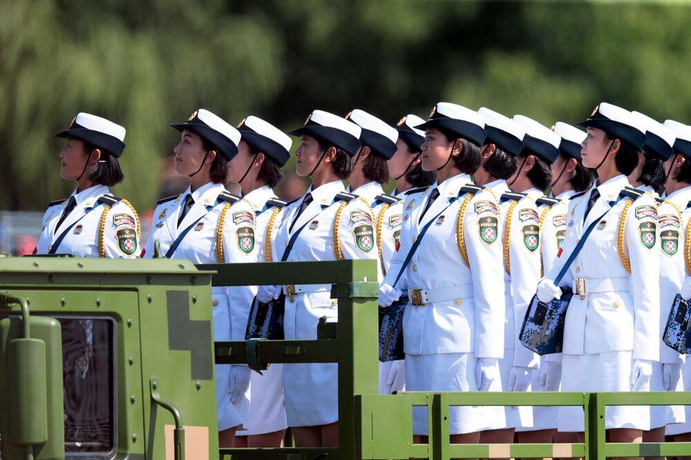 Żołnierki Ludowej Armii Wyzwolenia na paradzie w Pekinie z okazji 70. rocznicy zakończenia II wojny światowej