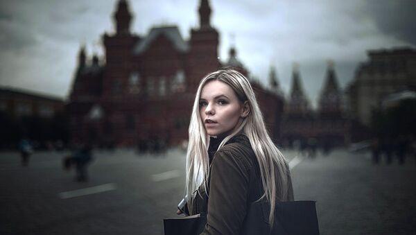 Kobieta na Placu Czerwonym - Sputnik Polska