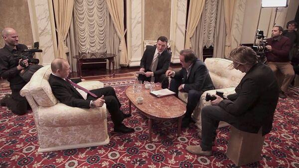 Prezydent FR Władimir Putin i reżyser USA Olivir Stone - Sputnik Polska