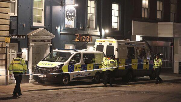 Policja na ulicy Castle street brytyjskiego miasta Salisbury w pobliżu miejsca, w którym były pułkownik GRU Siergiej Skripal został znaleziony w ciężkim stanie - Sputnik Polska
