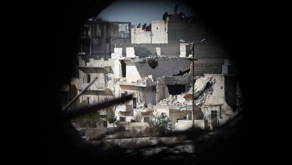 Widok na dzielnicę mieszkalną w Aleppo, przez którą przebiega linia frontu - Sputnik Polska
