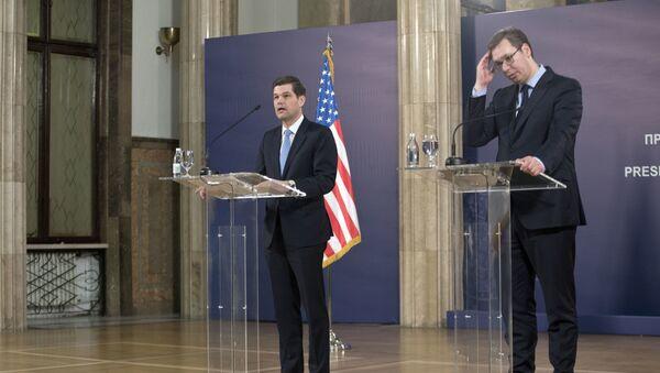 Asystent sekretarza stanu USA ds. Europy i Eurazji Wess Mitchell na spotkaniu z prezydentem Serbii Aleksandrem Vučićiem w Belgradzie - Sputnik Polska