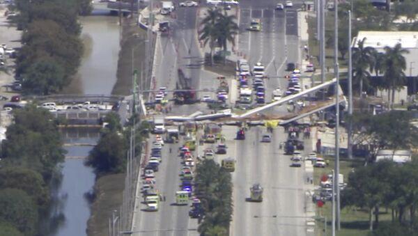 Na Florydzie zawalił się most dla pieszych - Sputnik Polska