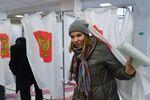 Głosowanie w lokalu wyborczym № 166 w Moskwie.