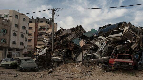 Złomowisko samochodów w Strefie Gazy - Sputnik Polska