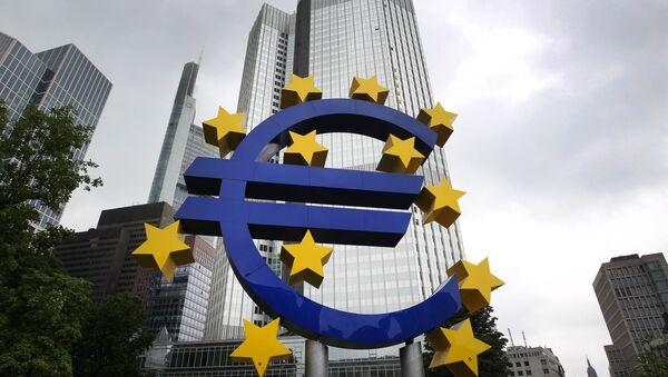 Logo waluty Euro - Sputnik Polska