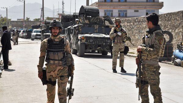 Przedstawiciele afgańskich służb specjalnych niedaleko lotniska w Kabulu - Sputnik Polska