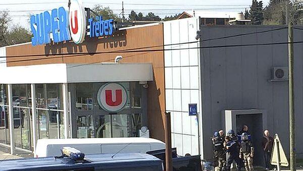 Atak terrorystyczny na supermarket Super U w Trebes na południu Francji - Sputnik Polska