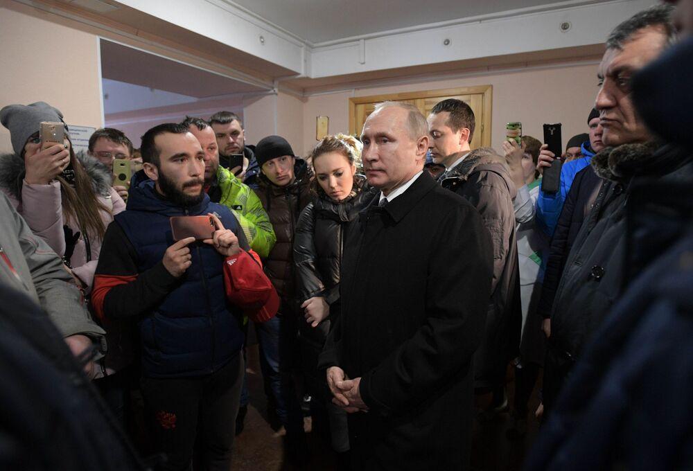 Władimir Putin spotkał się z mieszkańcami Kemerowa