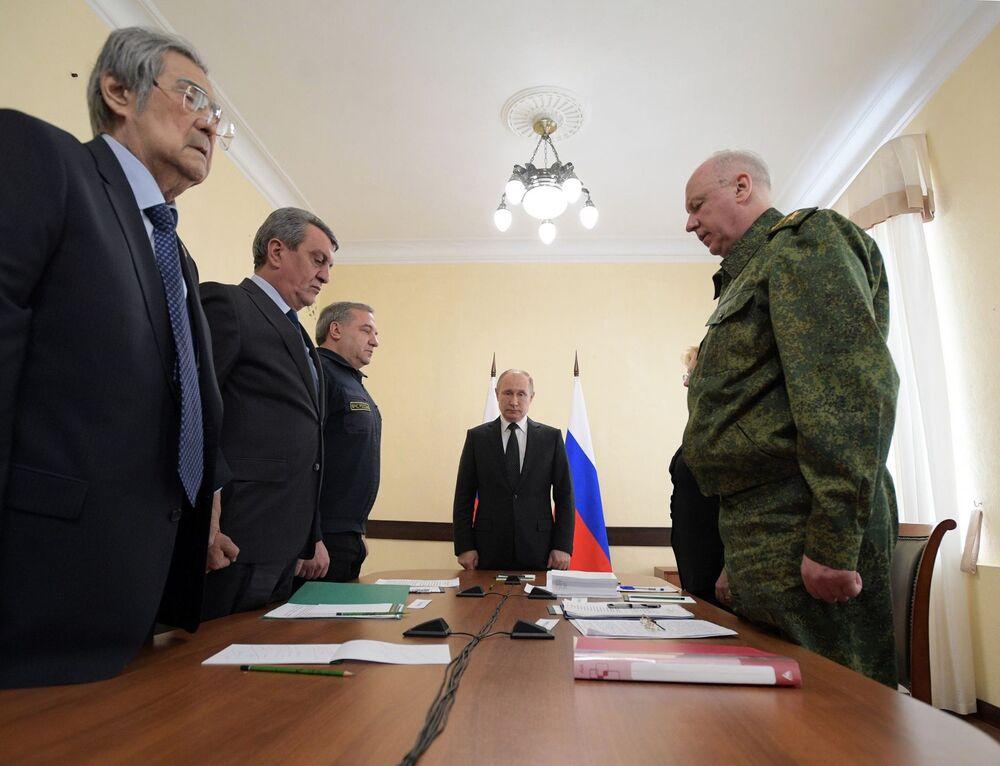 Władimir Putin uczcił minutą ciszy pamięć ofiar pożaru w Kemerowie