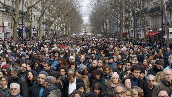 Biały marsz w Paryżu - Sputnik Polska