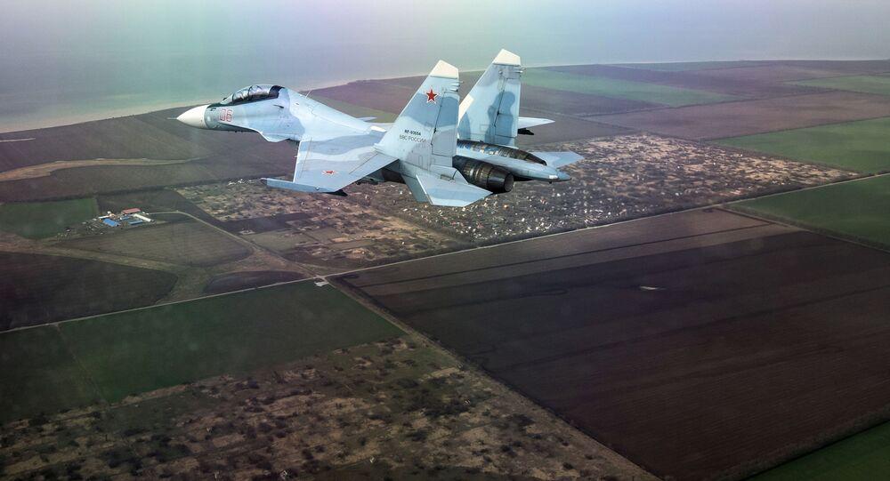 Wielozadaniowy myśliwiec Su-30SM na zawodach w ramach międzynarodowego konkursu Aviadarts-2018 w Kraju Krasnodarskim