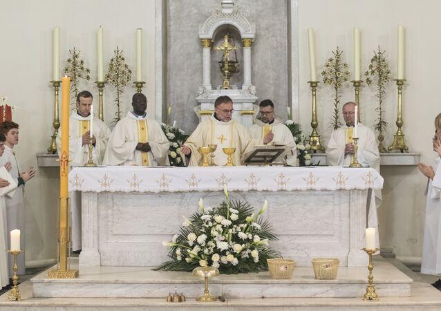 Msza Wielkanocna w Moskwie, kościół św. Ludwika