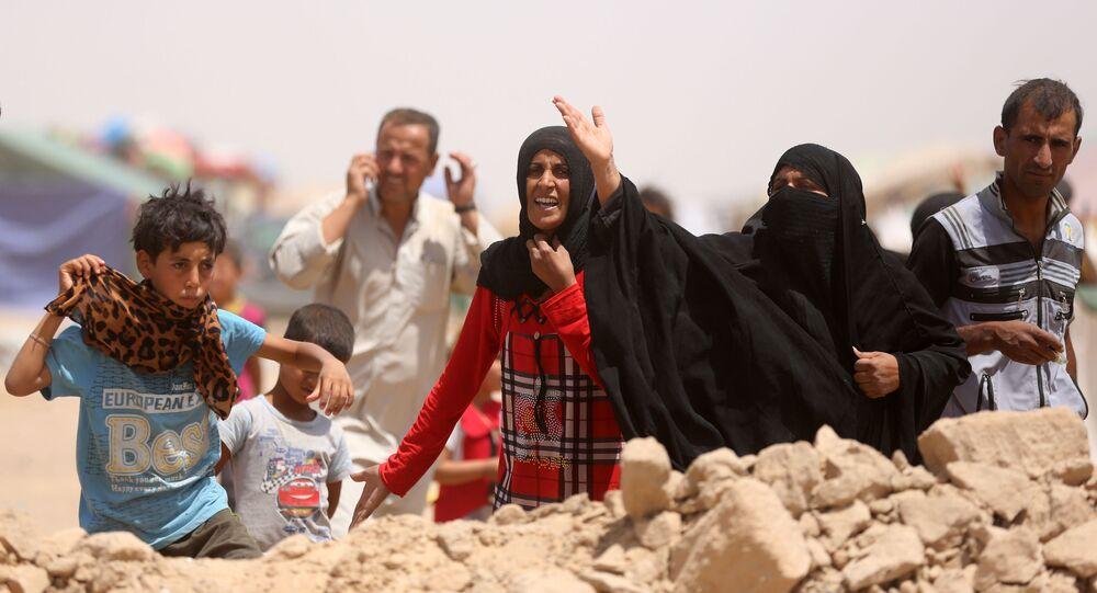Mieszkańcy miasta Ramadi w obozie dla uchodźców w Iraku. Zdjęcie archiwalne