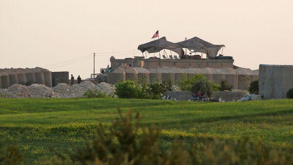 Amerykańska baza w rejonie Manbidżu w Syrii - Sputnik Polska