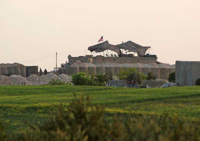Amerykańska baza w rejonie Manbidżu w Syrii