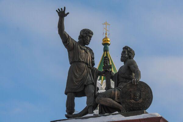 Pomnik Minina i Pożarskiego na Placu Jedności Narodowej w Niżnym Nowogrodzie - Sputnik Polska