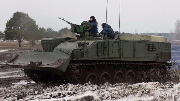 Ukraiński pojazd opancerzony przeznaczony do prac remontowych i operacji ewakuacyjnych (BREM) Atlet - Sputnik Polska