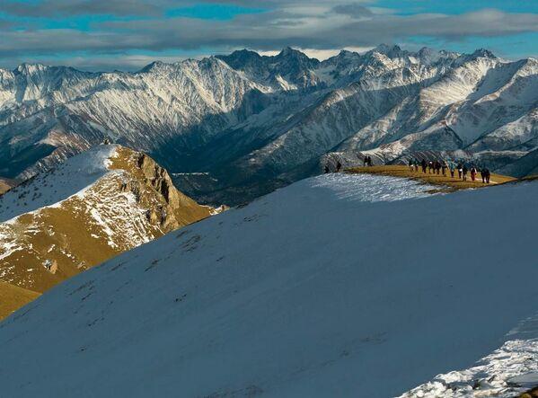 Zejście ze Stołowej góry w Osetii Północnej - Sputnik Polska