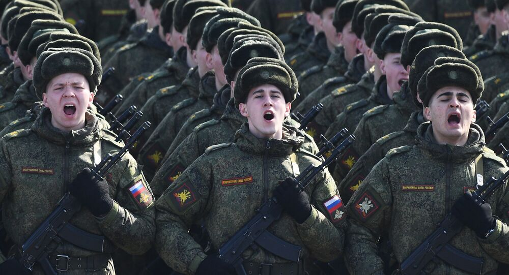 """Żołnierze podczas próby przed Paradzą Zwycięstwa na poligonie wojskowym """"Alabino"""""""