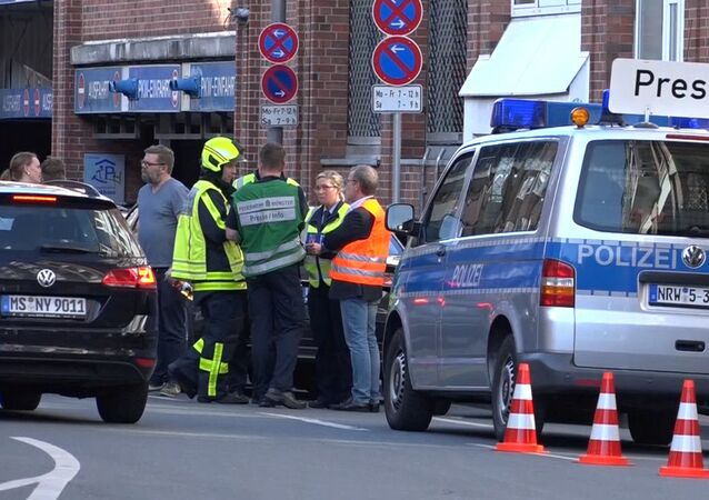 W Niemczech ciężarówka wjechała w tłum