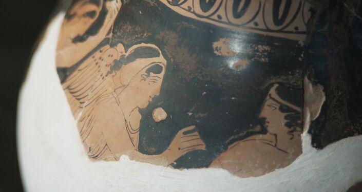 Artefakty odtwarzano z setek fragmentów przez trzy miesiące