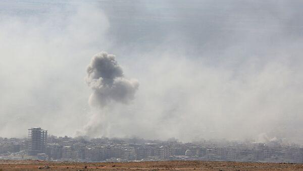 Dym po wybuchu w syryjskim mieście Duma - Sputnik Polska