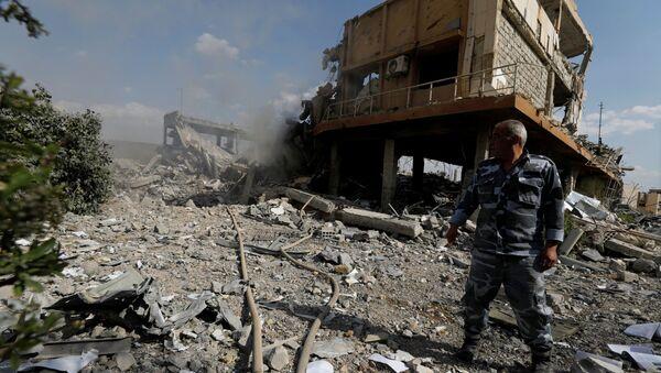 Zburzony ośrodek naukowo-badawczy w Damaszku - Sputnik Polska