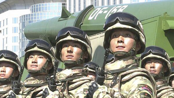 Żołnierze wojsk rakietowych Chińskiej Armii Ludowo-Wyzwoleńczej. Zdjęcie archiwalne - Sputnik Polska