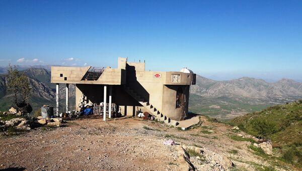 Dom pustelniczek w górach Bukeser na północy Iraku - Sputnik Polska