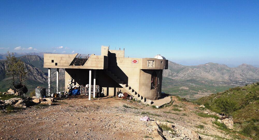 Dom pustelniczek w górach Bukeser na północy Iraku