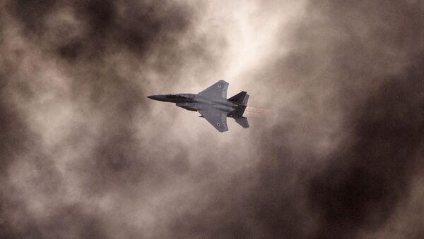 Myśliwiec F-15 sił powietrznych Izraela - Sputnik Polska