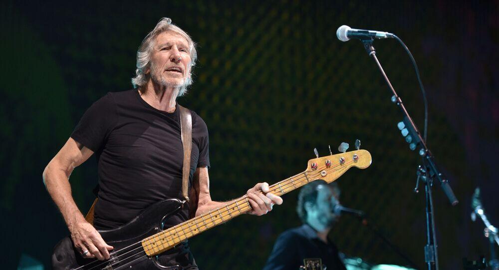 Założyciel zespołu Pink Floyd Roger Waters podczas występu w Chicago, USA