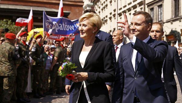 Prezydent Polski Andrzej Duda z żoną Agatą Kornhauser-Duda na ulicy Starego Miasta w Warszawie - Sputnik Polska