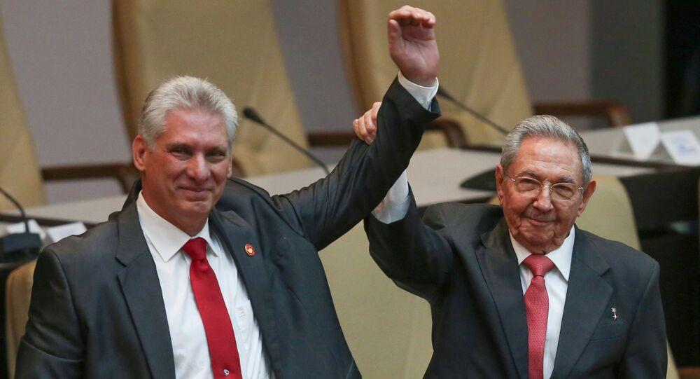Miguel Díaz-Canel i Raul Castro
