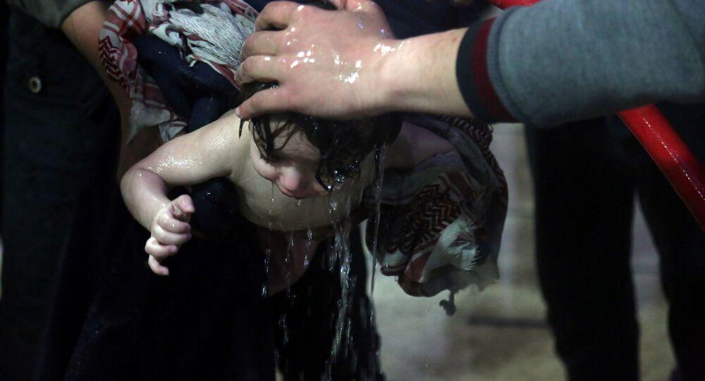 Sceny z filmu o rzekomym ataku chemicznym w syryjskiej Dumie