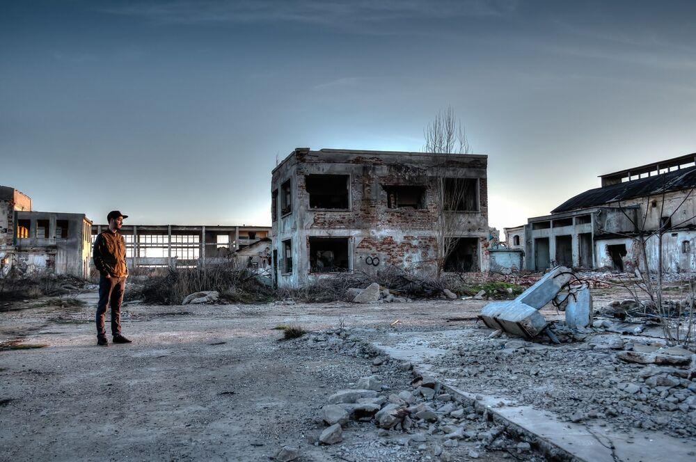 Opuszczony teren w strefie elektrowni jądrowej w Czarnobylu