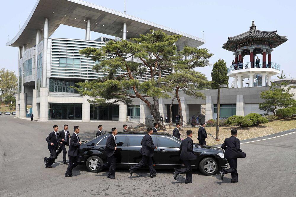 Ochrona lidera KRLD Kim Dzong Una