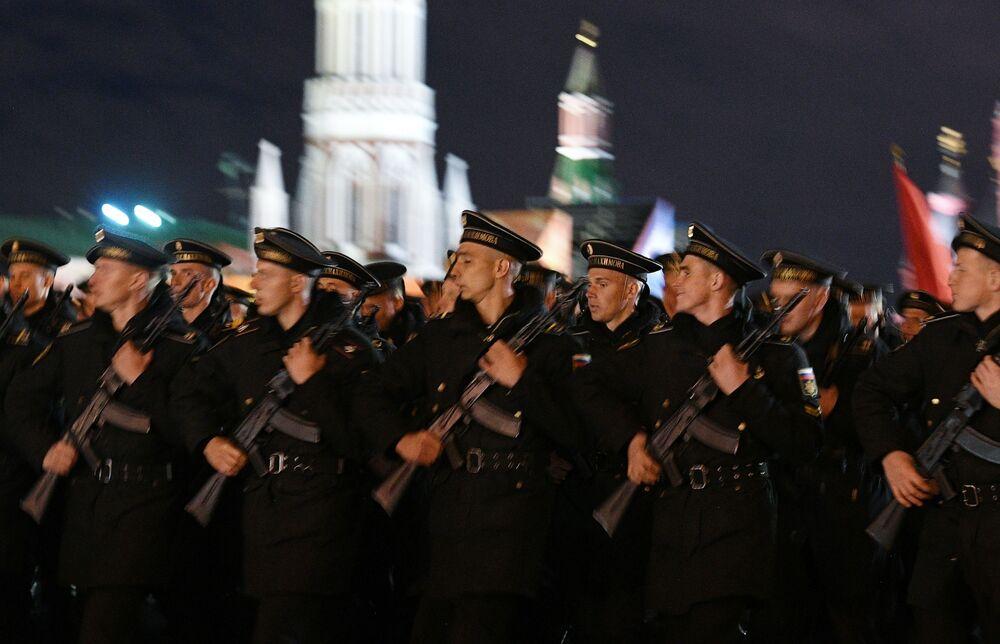 Żołnierze podczas próby parady przed Dniem Zwycięstwa