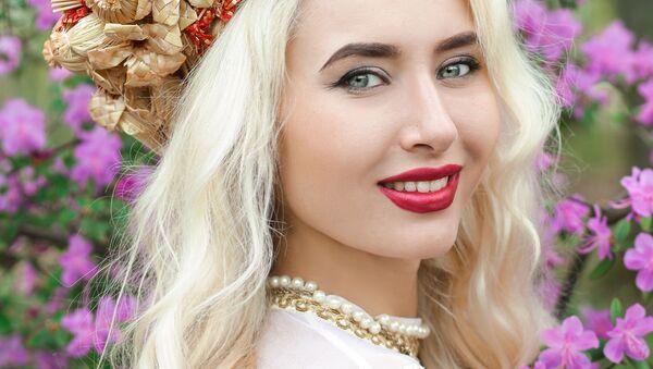 Uczestniczka konkursu piękności Królowa wiosna Białorusi Alina Stielmakowa - Sputnik Polska