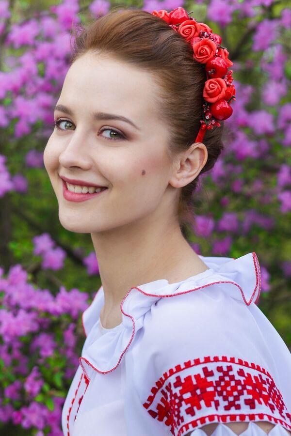 Uczestniczka konkursu piękności Królowa wiosna Białorusi Jekatierina Debiełaja - Sputnik Polska