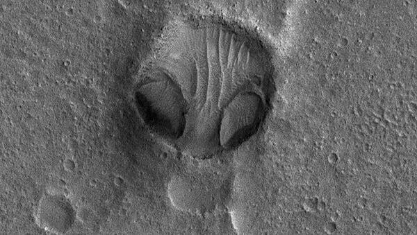 Krater na Marsie - Sputnik Polska